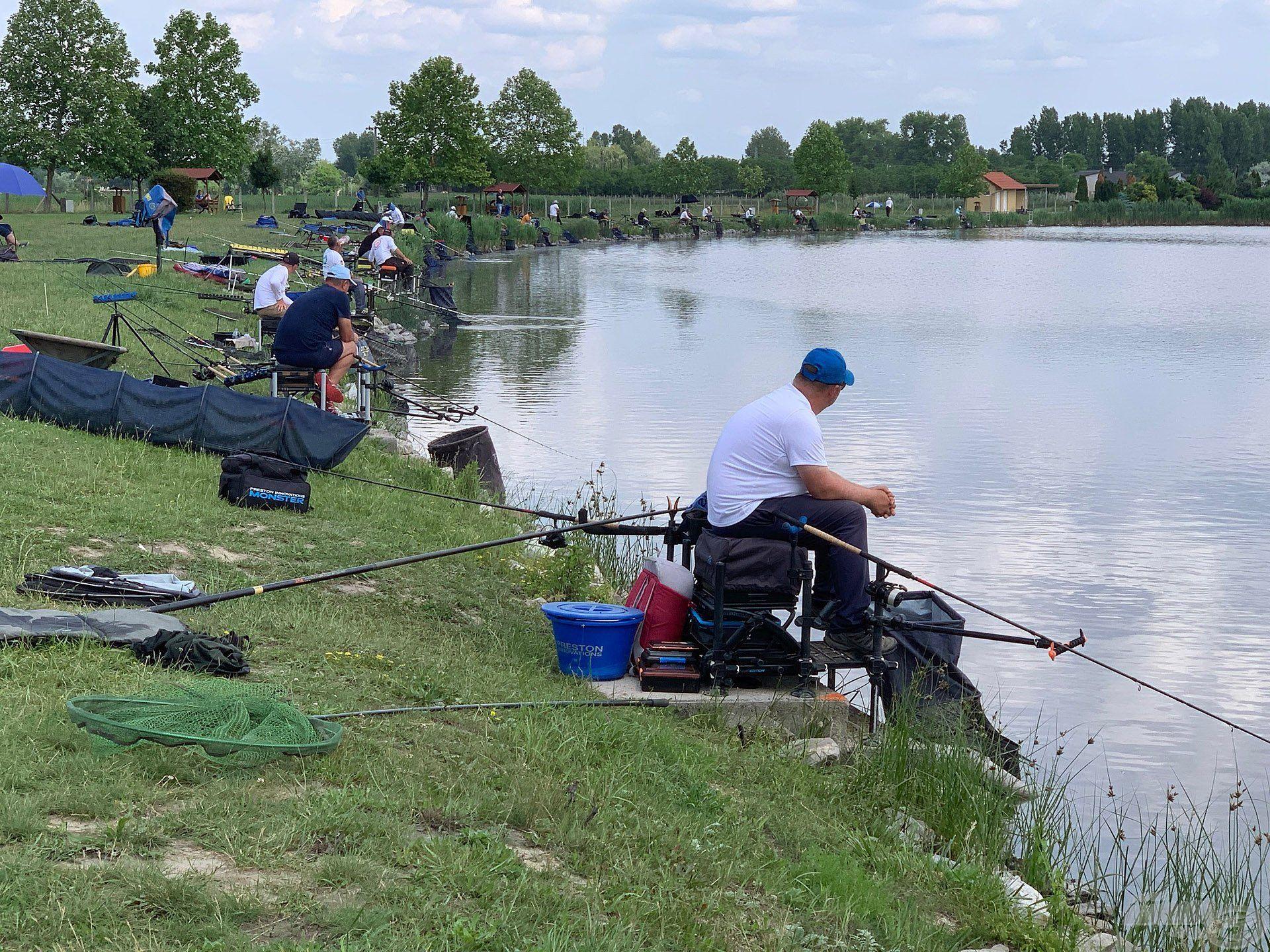 Az év során több saját horgászversenyt is rendezünk, de amire büszkék vagyunk, hogy a Method Országos Bajnokság egyik előselejtezőjének is mi biztosítottuk a helyszínt