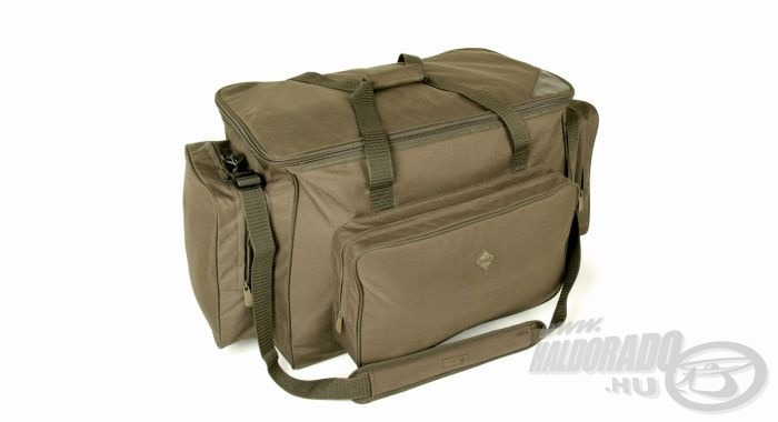 Minden táska tartós, kifogástalan minőségű anyagokból készül