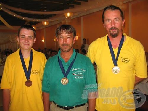 A bronzérmes Maver csapat