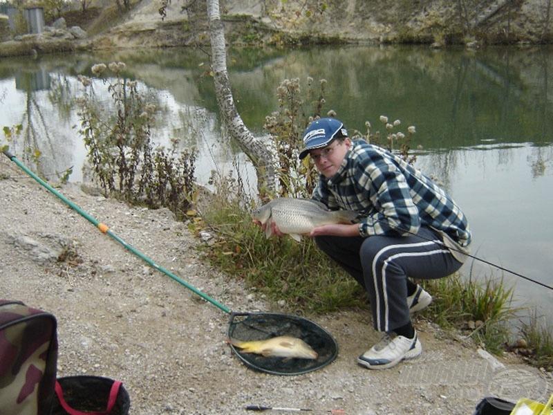 Ádám az oldalon megjelent írásában pont egy feeder kontra matchbot horgásztörténetről írt… most adunk hozzá egy-egy orsót