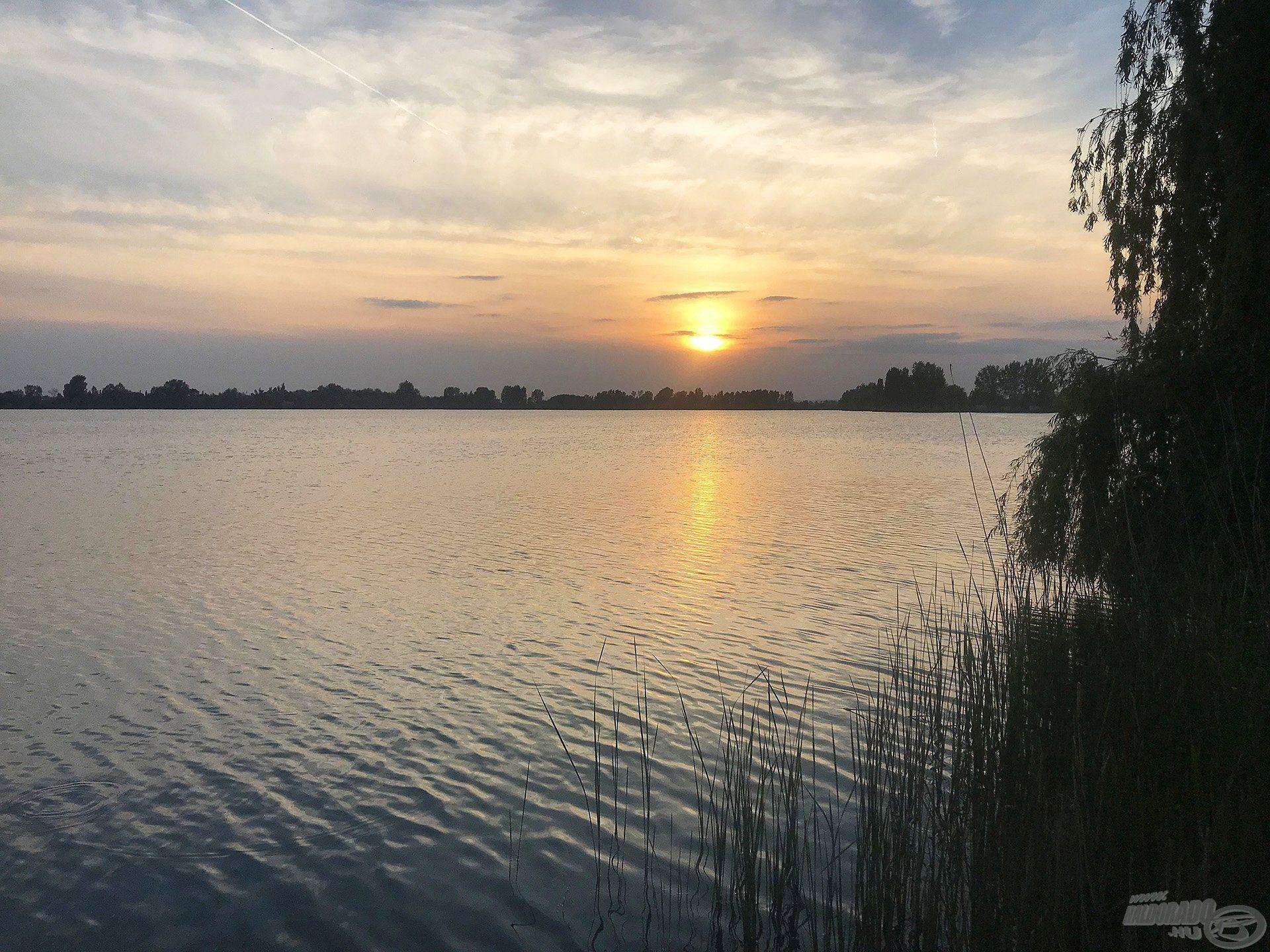 A nyári naplementének különleges hangulata, varázsa van…