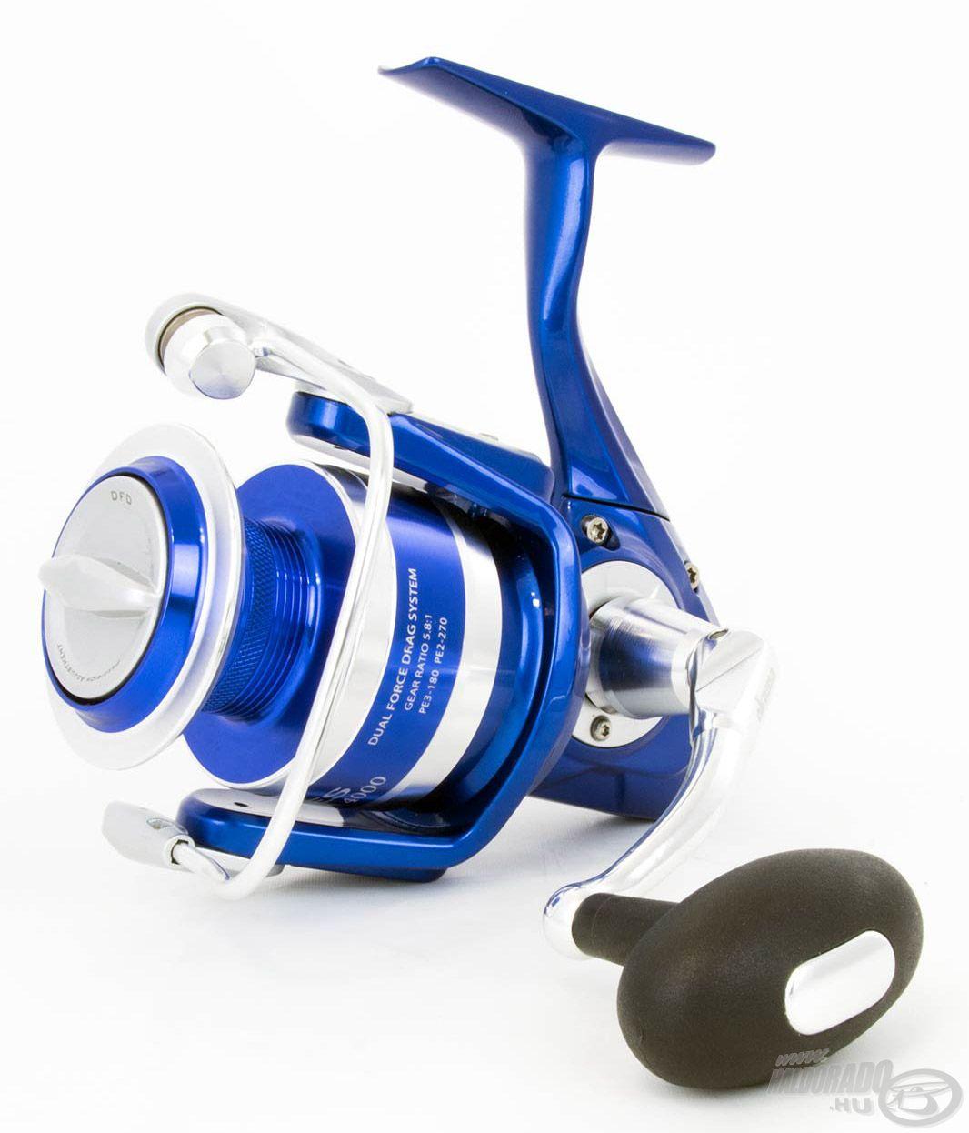 """Az Okuma egyik legújabb fejlesztésű """"erőgépe"""" az Azores Blue, melynek 4000-es változata a pergető harcsahorgászatra is tökéletes választás"""