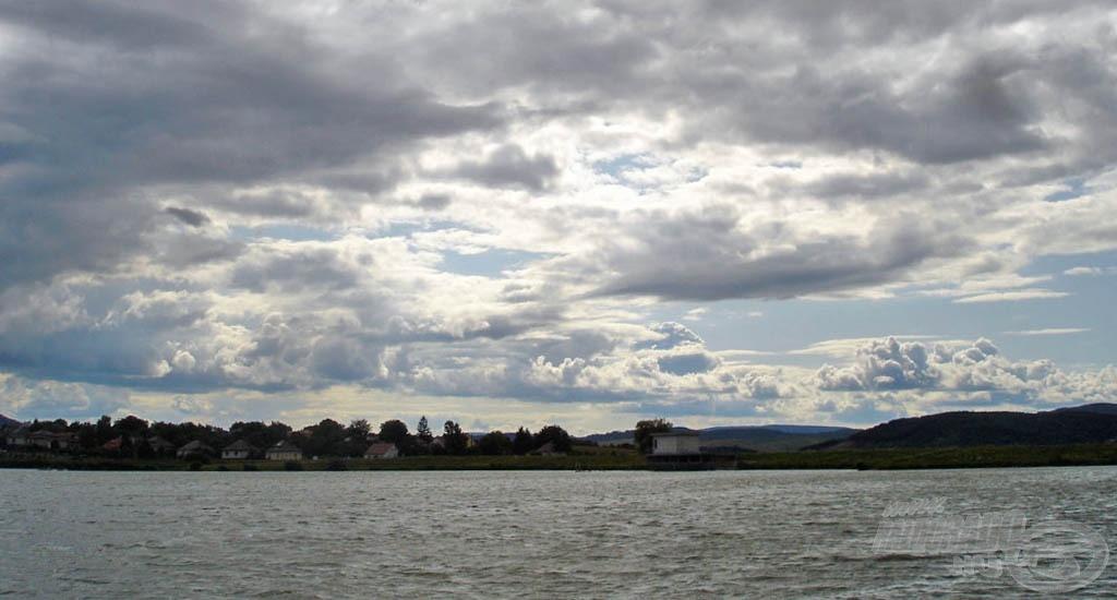Az időjárás nem volt kegyes hozzánk, sötét felhők gyülekeztek és erős szél fújt egész nap