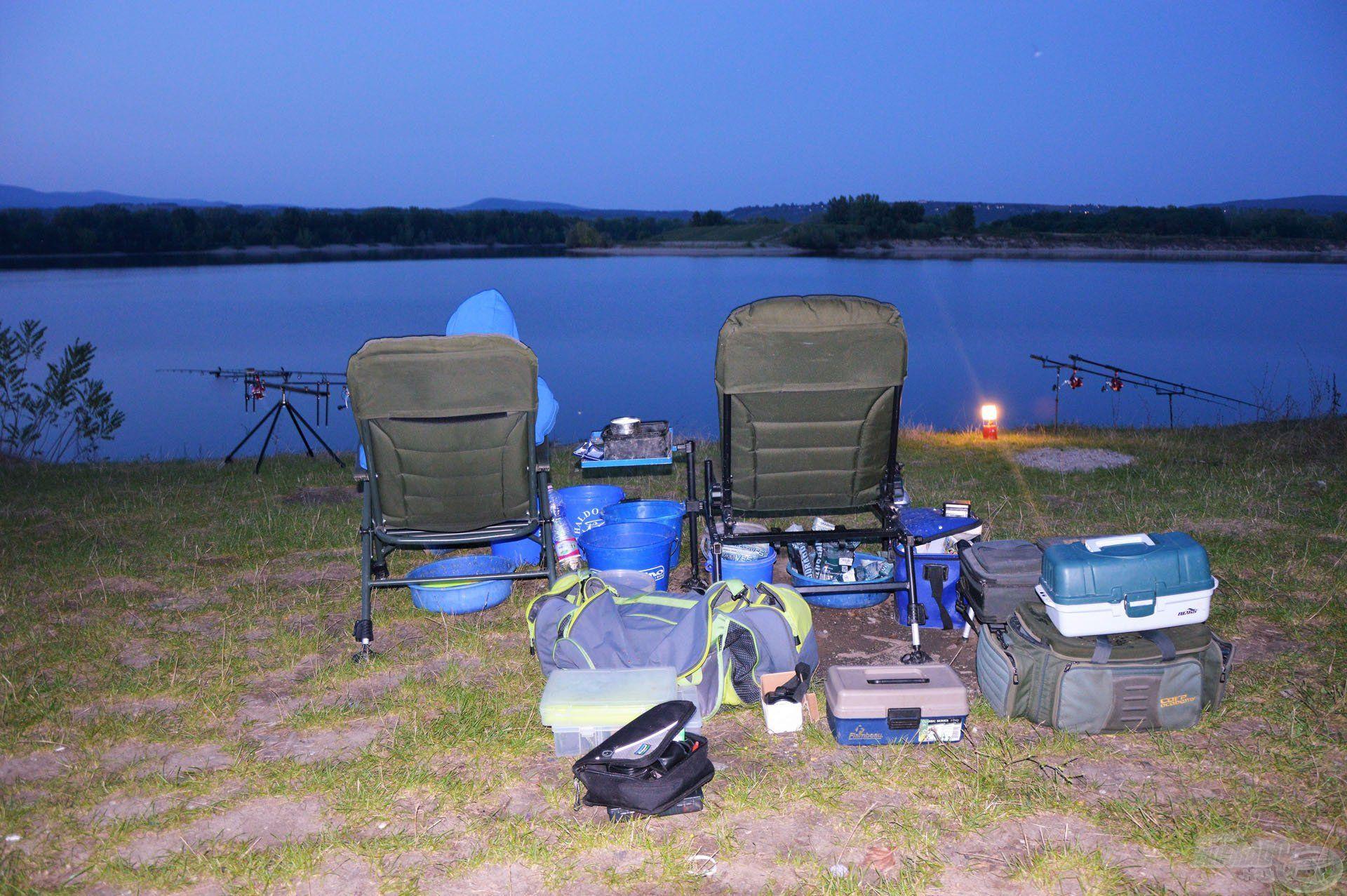 """Az éjszakai horgászat mindig izgalmas """"játék"""", pláne egy ekkora vízterületen"""