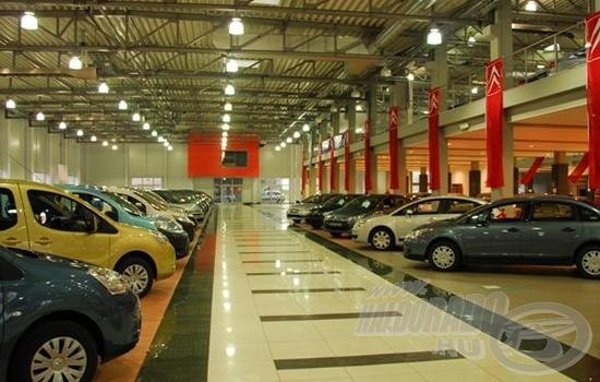 Ha az autók elférnek, akkor a több mint 50 kiállító sem fog szűkölködni…