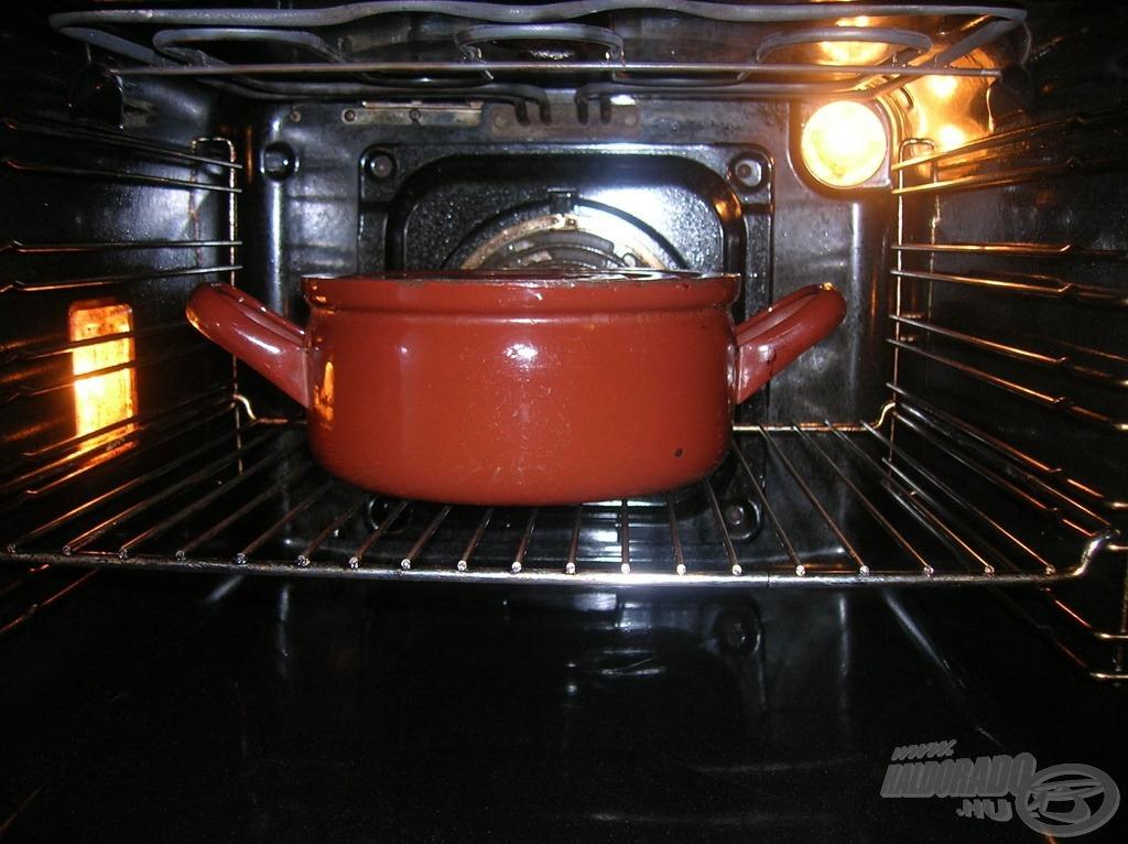 Lefedve sütőben 150 Celsius-fokon elkészítjük