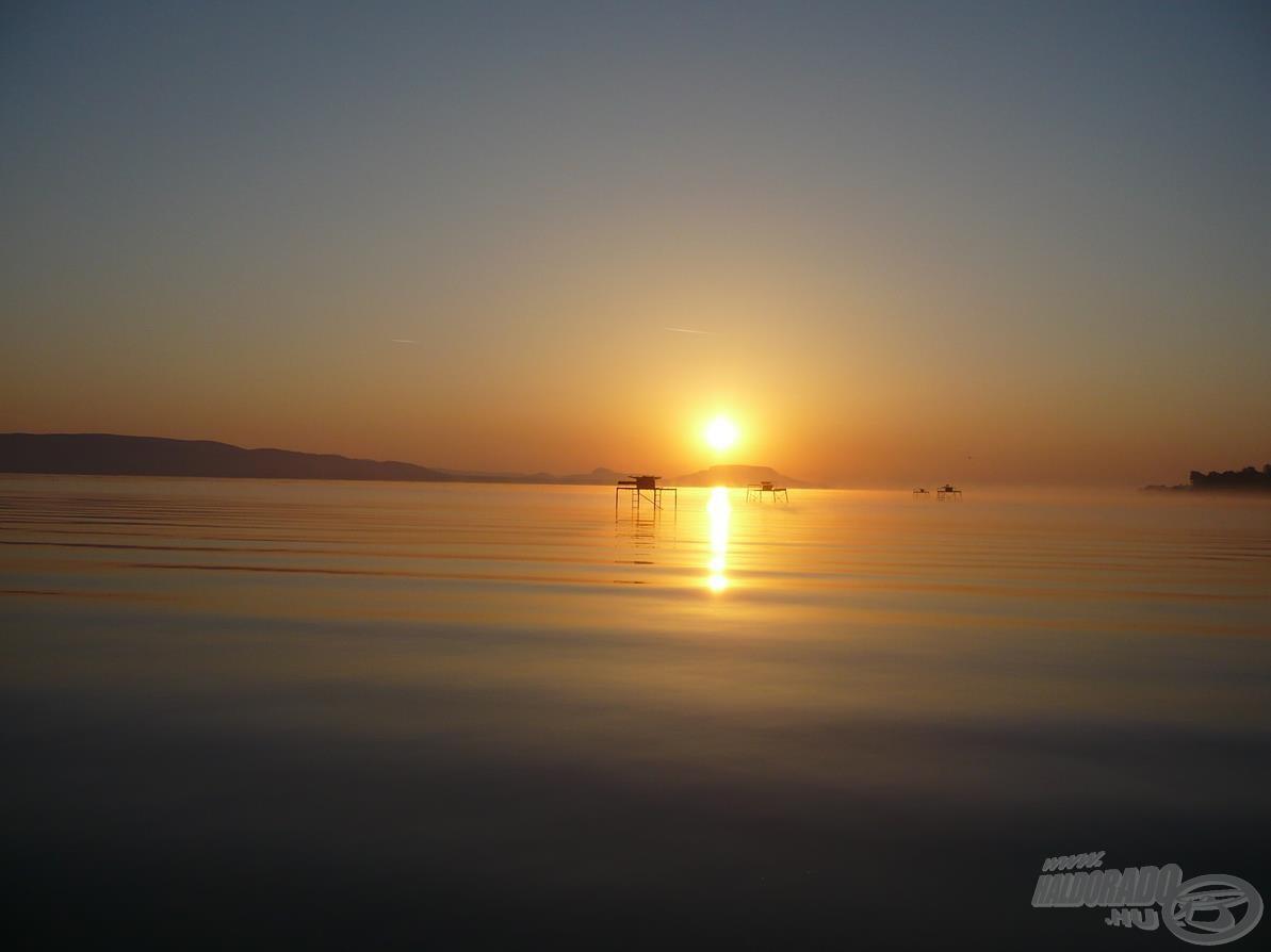 Mindig csodás a balatoni napfelkelte