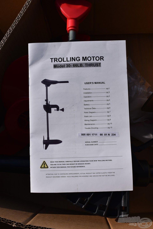 Hasznos kézikönyv, amin szintén ott virít a motor egyedi azonosítója