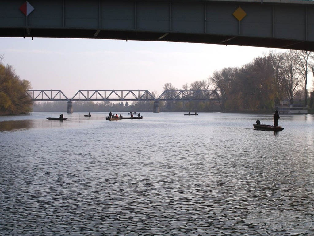 Horgászünnep a folyón