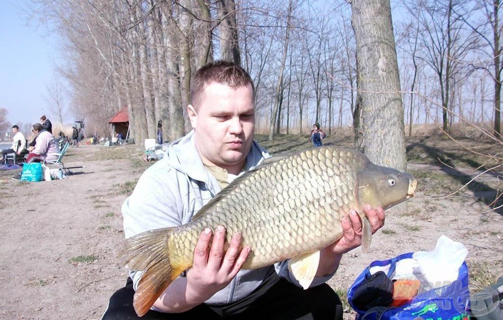 Gyönyörű pontyot hozott a Haldorádó etetőanyag a Préri horgásztavon