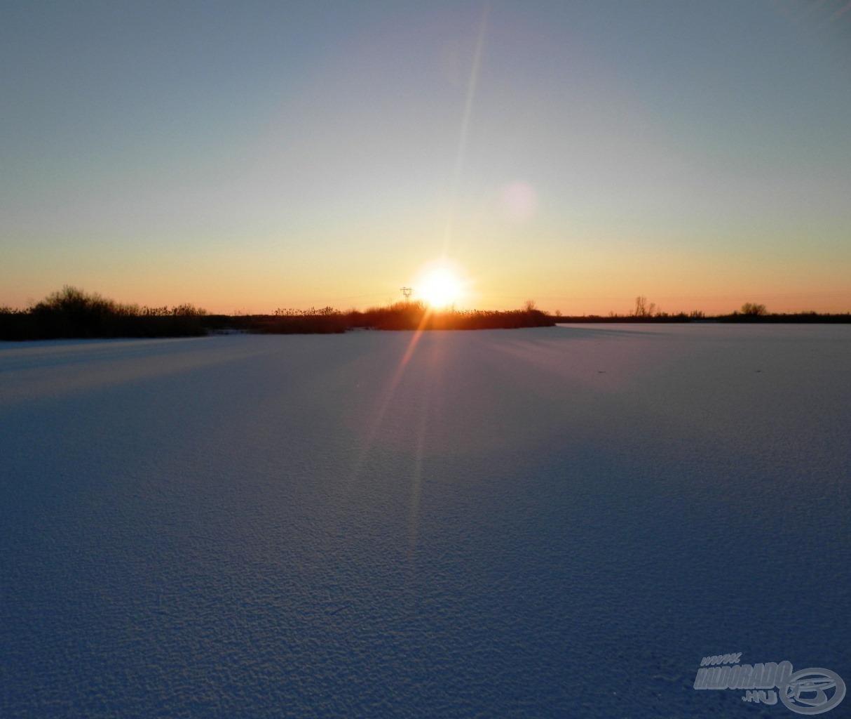 Téli naplemente a Kengyel-tavon