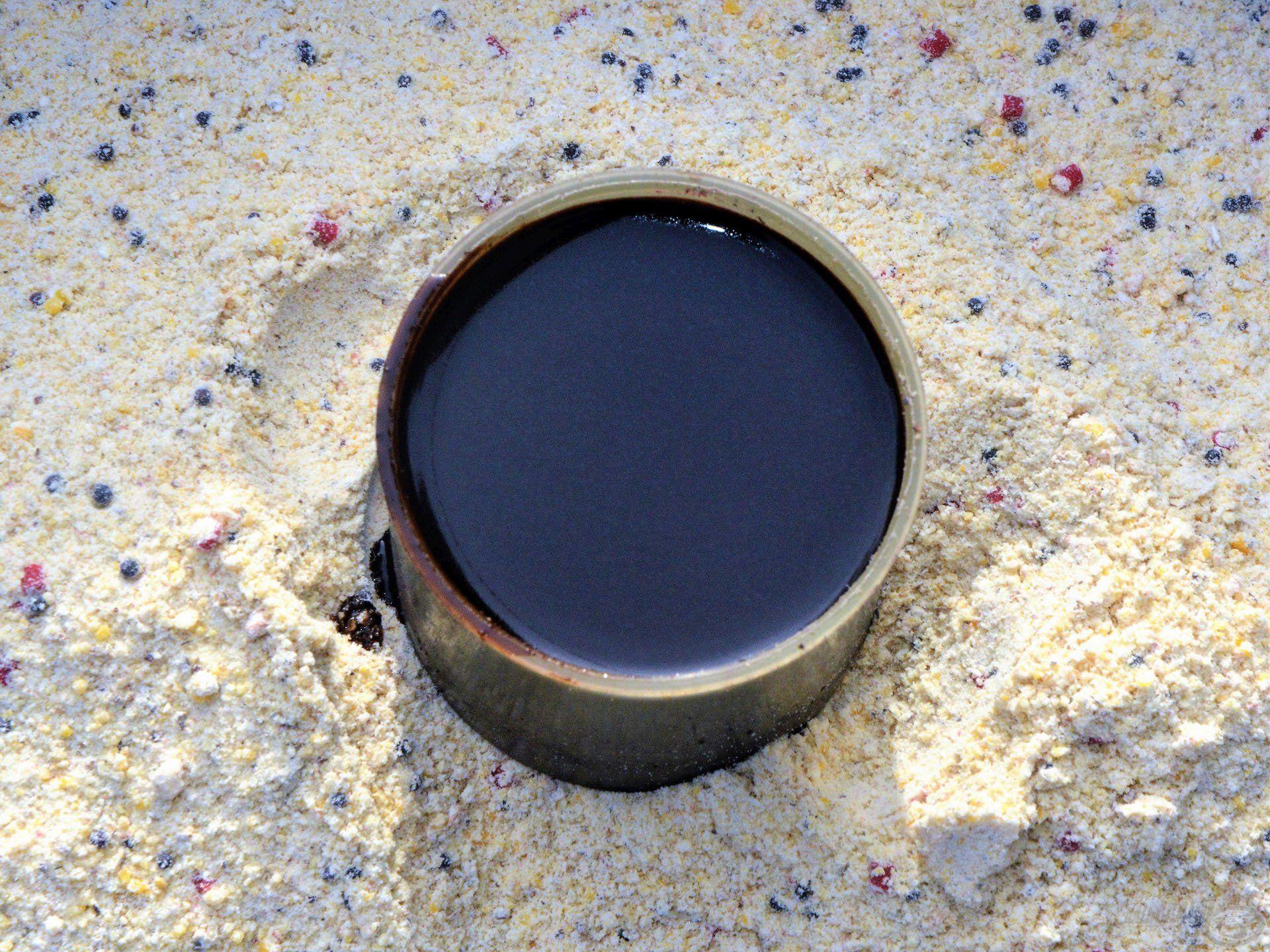 A CSL Aroma Tuning sötétbarna színű folyékony adalék