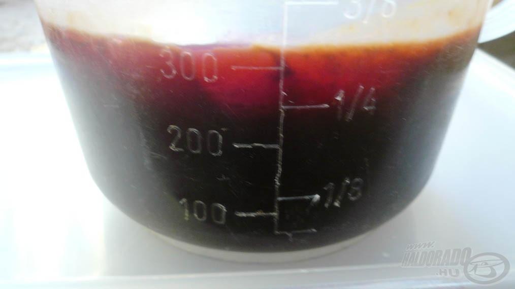 Az egy kiló etetőanyaghoz, 5 kiló szárazanyaghoz elegendő aromát kevertem