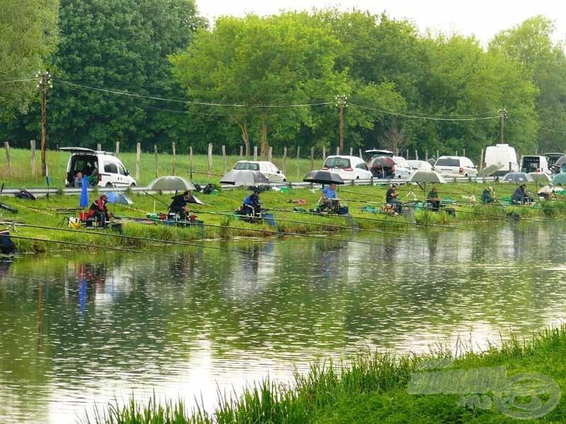 A pálya még esőben is jó horgászati feltételeket biztosít