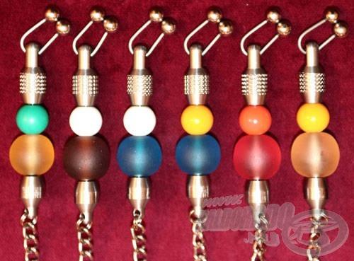 Ízlés szerinti kivitelben és sok különböző színben kapható a dr. H láncos swinger
