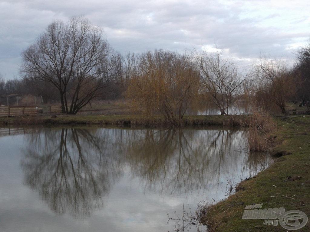 A tavakat gátak választják el egymástól, amik egymás után helyezkednek el