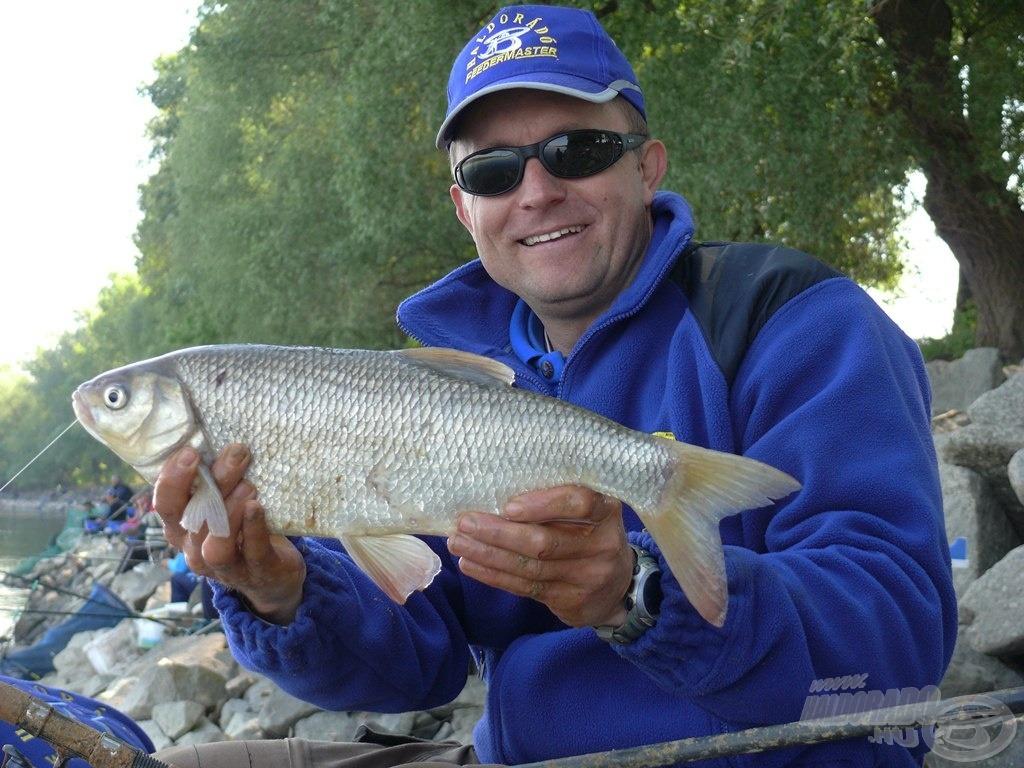 Az ordasi pálya jellemző halai a nagytestű dévérkeszegek és jászok