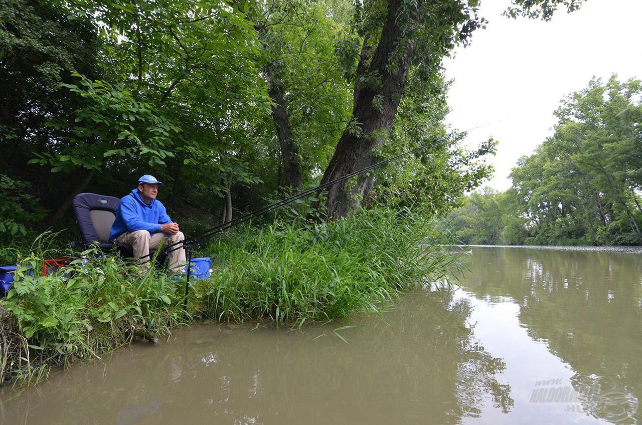 Látszólag minden változatlan, de tudom jól, hogy egy folyón nincs két egyforma nap!