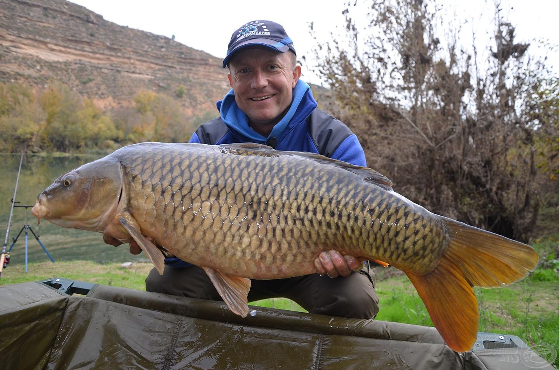 Az Ebro nagyon kegyes volt hozzánk, egyre nagyobb halakkal ajándékozott meg minket