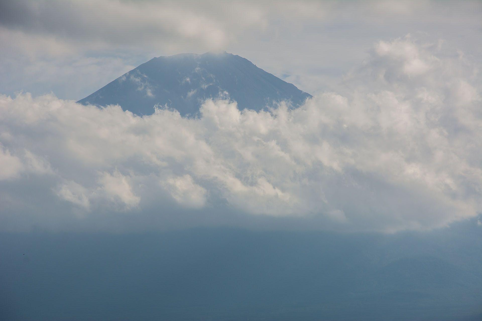 A hegy ezen a napon többnyire szégyenlősen takargatta magát…