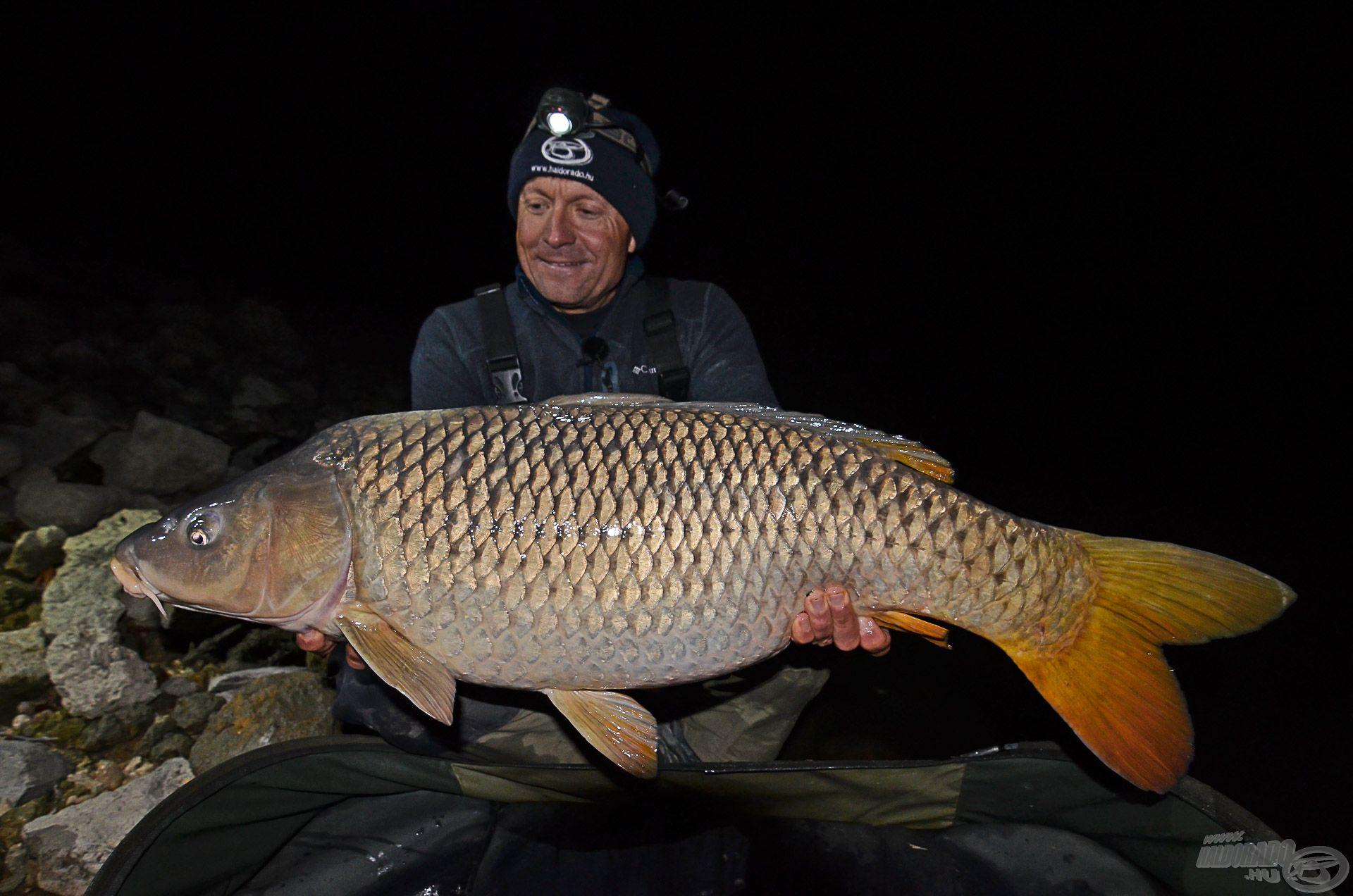 … és többnyire késő este fejeződnek be, mert gyakorta ekkor jönnek azok a halak, amelyekről sokan csak álmodnak