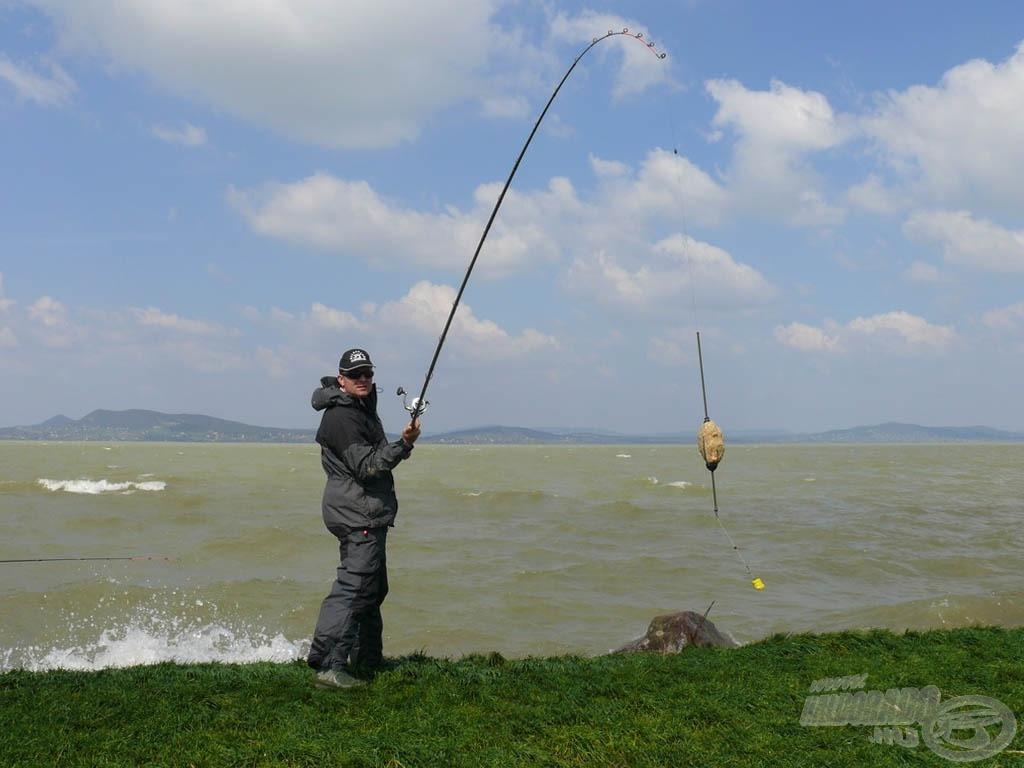 Érdemes ilyen viharos, szeles időben horgászni? Mint később kiderült, IGEN!
