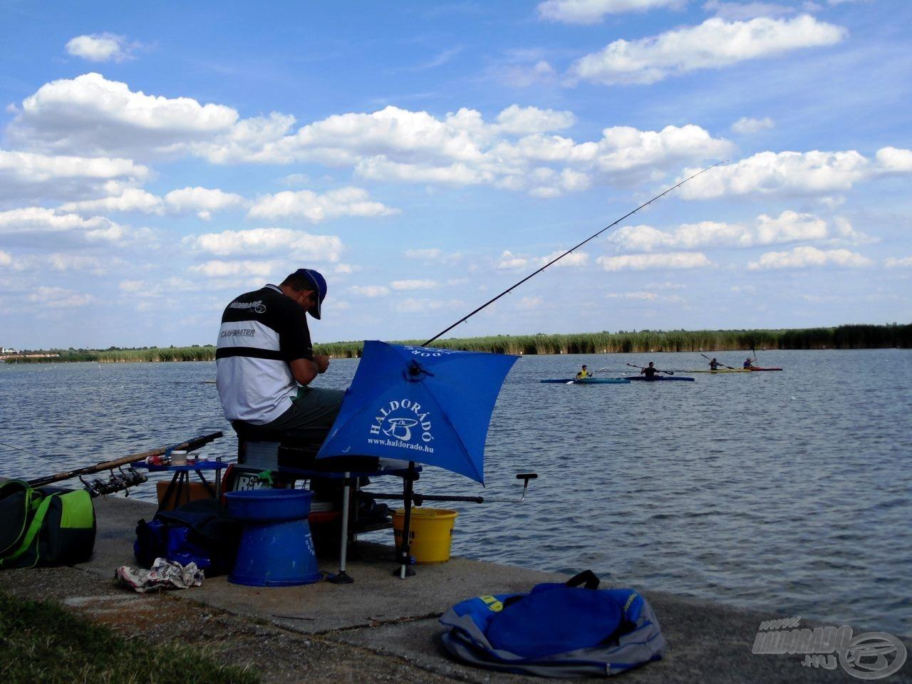 Az evezősök nem könnyítik meg a horgászatot!