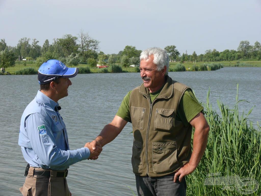 A tiszakécskei Holt-Tisza a finomszerelékes horgászok Mekkája, amelyet személyesen a horgászegyesület elnöke, Stinner Ferenc úr mutatott be nekünk